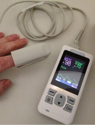 PULSE OXIMETER HANDHELD & ADULT SP02 SENSOR (SM80) EA - Click for more info